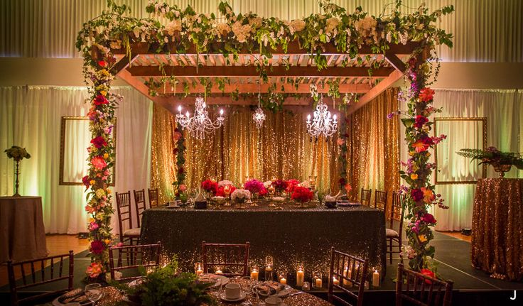 Elegant Garden Style Pergola Head Table then use the Pergola in your yard!
