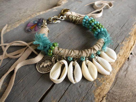 Strand Armband Leder Franse w Türkis Kauri von BeadStonenSkin