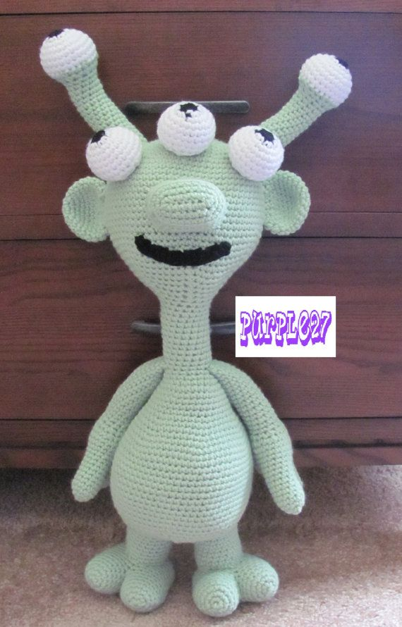 Amigurumi De Alien : 17 mejores imagenes sobre amigurumi monstruos en Pinterest ...