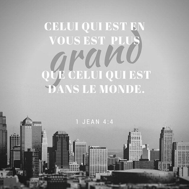 Découragé? Et si tu lisais un peu moins les médias et un peu plus la Bible? Ton Dieu est plus grand! #versetdujour #labible