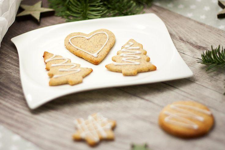 Da Butterplätzchen zur Weihnachtszeit gehören, gibt es diesmal ein low carb Butterplätzchen Rezept von mir. Es ist auch glutenfrei.