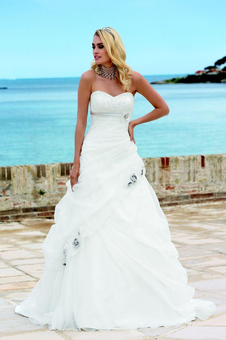 17 best Ladybird images on Pinterest   Wedding dressses, Bridal ...
