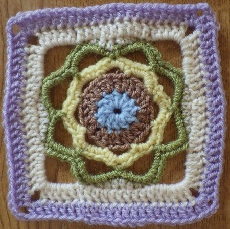 Narf's Square - Free crochet pattern by The Snail of Happiness. Dk yarn + 4mm hook = 15cm square.