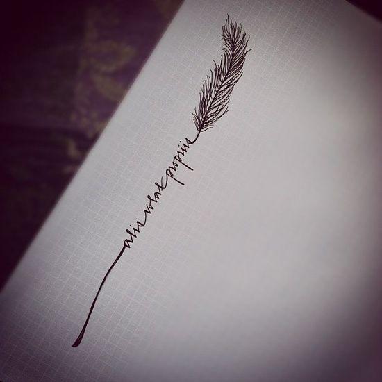 tattoo – Alis Volat Propriis bedeutet.Sie fliegt mit ihren eigenen Flügeln… vol 2599   Fashion & Bilder