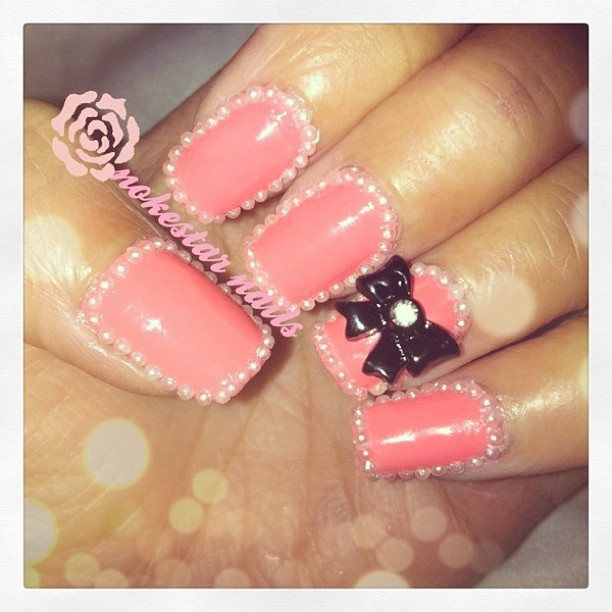 The Pearl Necklace mani. #nails #nailartohhlala #notd #nailsofinstagram #mani #pink #pearlnails #pearls #bow #bling #instawow #love #cute #Padgram