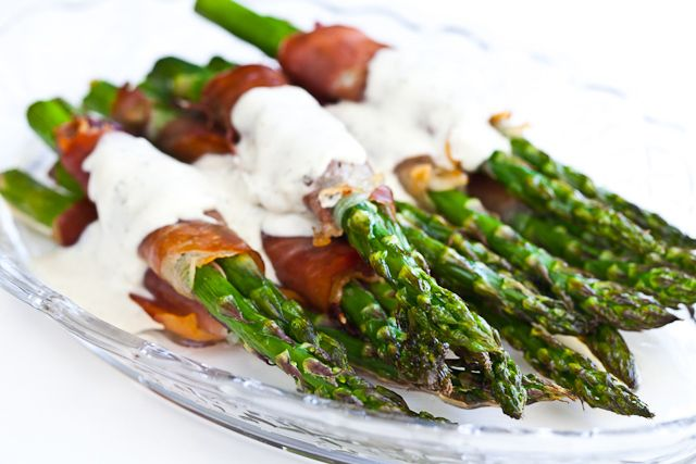 Crispy Prosciutto Wrapped Asparagus. If I can find Philidelphia Cream ...
