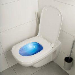 Fabulous Das Easymaxx LED WC Nachtlicht wird einfach am Sch sselrand eingeh ngt und kommt ohne l stige Kabel aus