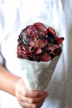 Snack-Hammer: Rote Beete Chips mit Thymian-Salz