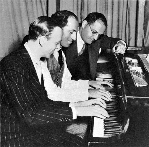 Fred Astaire with George and Ira Gershwin: Classic Movie, Classic Compo, George Gershwin, Brother Ira, Fred Astaire, Gershwin Compo, The Piano, Classic Beautiful, Ira Gershwin
