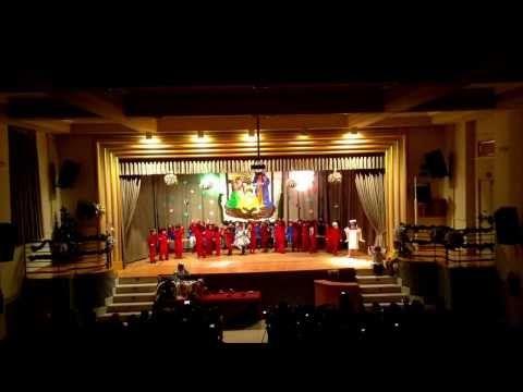 Villancico La estrella del árbol de navidad - Jesús Maestro 2º infantil 2013 - YouTube