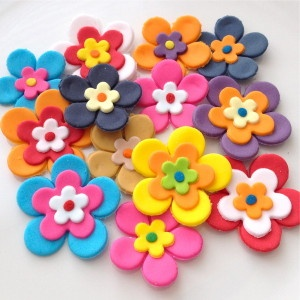 how to make modelling icing flowers