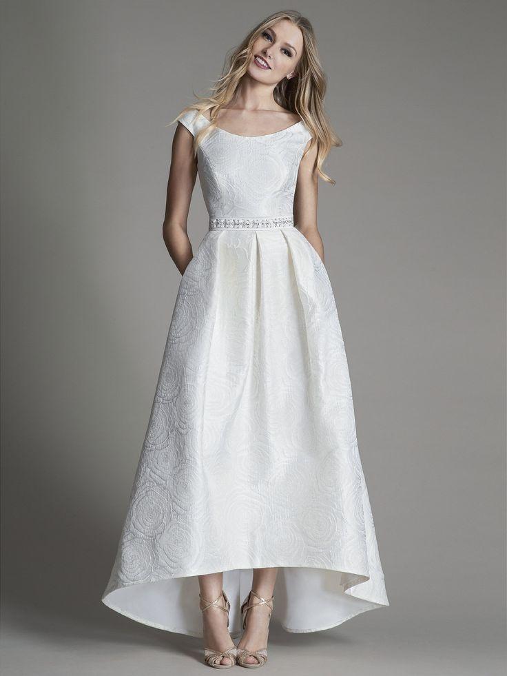 207 best Wedding Dresses images on Pinterest | Wedding dressses ...