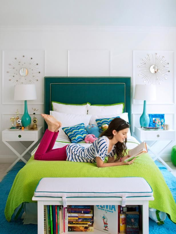 Create a colorful bedroom, perfect for a teen girl, with a deep teal headboard and chartreuse linens.Teen Bedrooms, Decor Ideas, Sunburst Mirror, Colors Bedrooms, Girls Room, Colorful Bedrooms, Bedrooms Ideas, Teen Girls, Teen Room