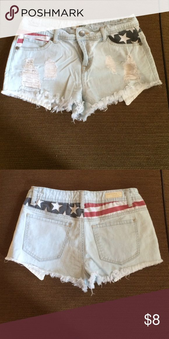 Light Wash Jean Shorts Excellent condition jean shorts with Stars & stripes accents. Size 9 juniors. Shorts Jean Shorts