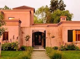 Best 25 fachadas de casas coloniales ideas on pinterest for Casas estilo colonial moderno