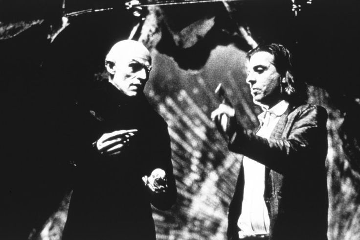 Willem Dafoe and director Elias Merhige in Lions Gate's Shadow of the Vampire - 2000 in Lions Gate's Shadow of the Vampire - 2000 Copyright: 2000 Lions Gate Films