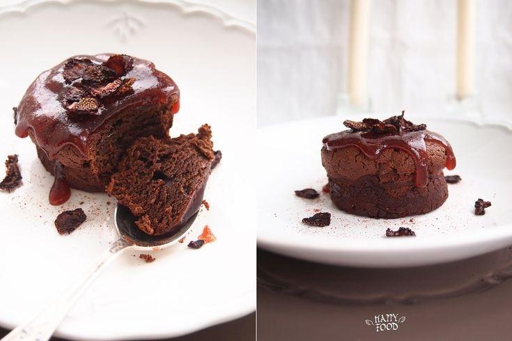 Да-да это наверно самые простые шоколадные пирожные! Безумно вкусные, влажные и ШОКОЛАДНЫЕ!!!! Справится даже ребенок! для ФМ ШОКОЛАДНОГО : на 4 пирожных: 100 гр…