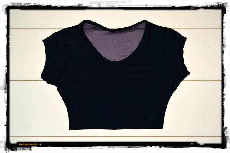 FakiuLook del dia lunes  TOP LYCRA ESPALDA MICRO TULL  ideal para llevar  con la camisa escocesa de tu novio ;) + pantalones tiro alto + y unos buenos borcegos!! VOS COMO LO USARIAS? ****************************************************** https://www.facebook.com/pages/FAKIU-CLOTHES/130489757033235?fref=ts