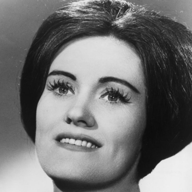 Visit Biography.com and learn more about Joan Sutherland, Australian operatic soprano and Dame of the British Empire.