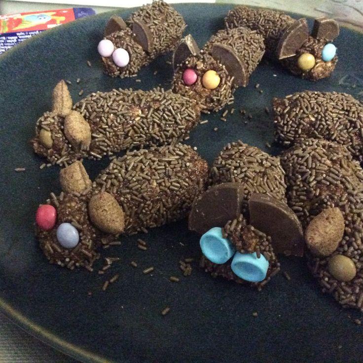Varför äta chokladbollar när man kan äta möss. Mums!