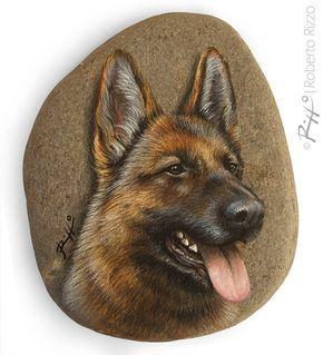 Ein Deutscher Schäferhund Gesicht gemalt auf einem flachen