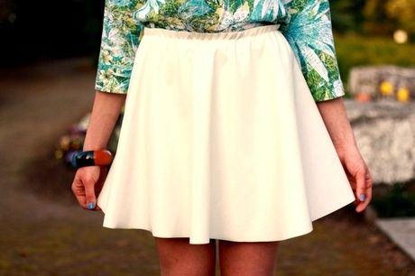 white leather skirt 100 pln/ 25 euro check it www.otwieramszafe.blogspot.com