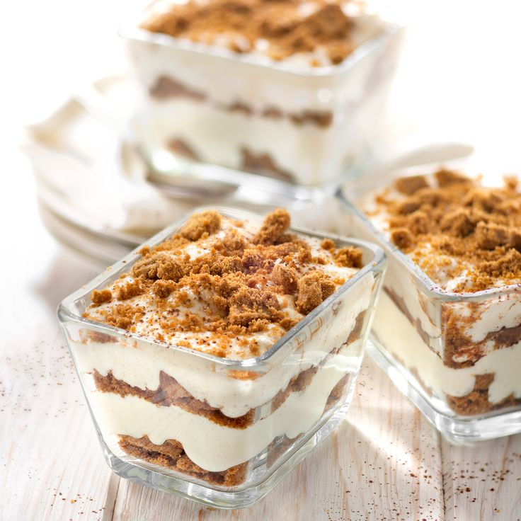 Découvrez la recette petits tiramisus aux spéculoos sur cuisineactuelle.fr.