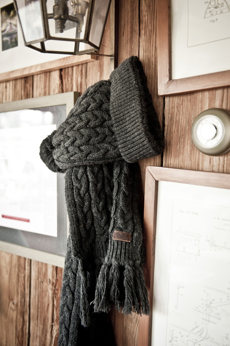 Going out in the cold? Put on your scarf and beanie hat! #FW12