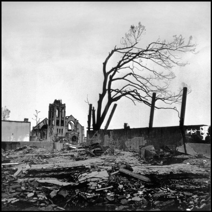 Wayne Miller  JAPAN. Hiroshima. September 8, 1945. Destruction caused by the atomic bomb blast. Magnum Photos