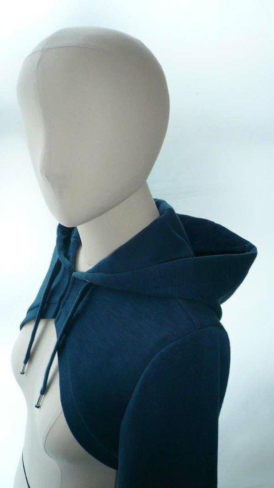 sweatshirt bolero with hood, free pattern by twila