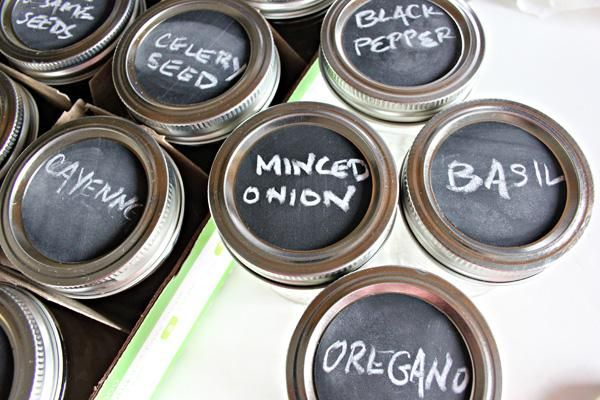 Chalkboard paint jar labels make it easy to switch out the contents and stay organized!