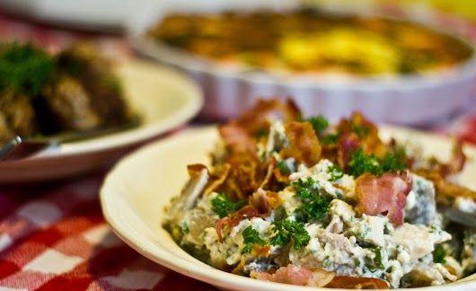 Hønsesalat med rygeost, champignon og friske asparges