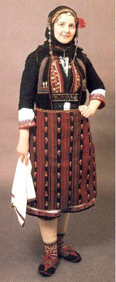 Παραδοσιακή γυναικεία φορεσιά απο τον Βώλακα Δράμας/Τraditional costume from Volakas,Drama,Greece