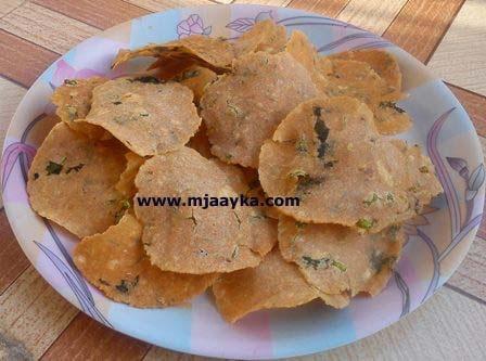 Bread Papad Recipe (ब्रेड के पापड़)