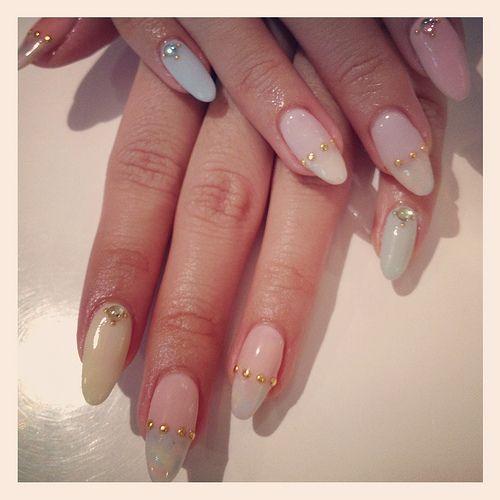 4 gel nail design woman