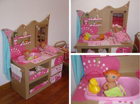 Table à langer pour les poupées