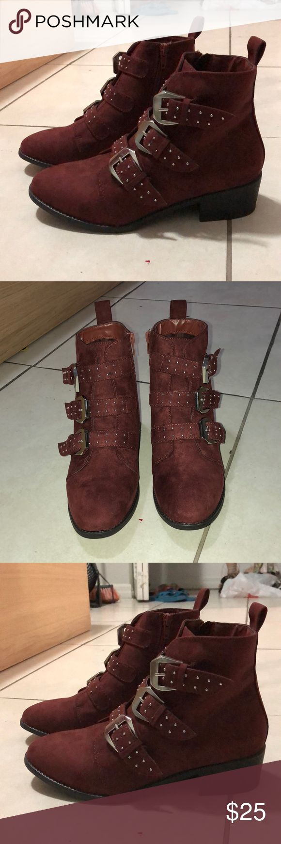 NWT New Look Ankle Boots Gorgeous ankle boots! Never worn. Very stylish! Size 7 Women's US, UK 5. New Look Shoes Ankle Boots & Booties
