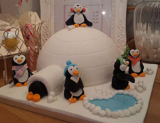 penguin cake, igloo cake, winter theme cakes, winter cake ideas, christmas cake ideas