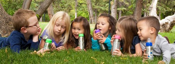 Nappflaskor och flaskor för barn från Ekokul och OrganicKidz. Av rostfritt stål.