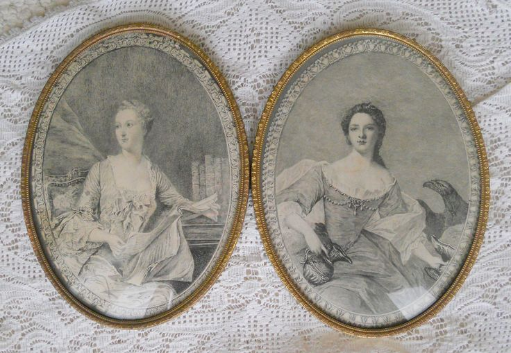 PAIR OF VINTAGE OVAL BRASS FRAMED PHOTO FRAMES ~ SOLD ON MY EBAY SITE LUBBYDOT1