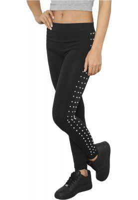 Svarta leggings med nitar längs benen