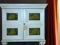 LUDOWE DEKORACJE W ARANŻACJI WNĘTRZ: Nowoczesne i surowe wnętrze zyska ciepły domowy i niepowtarzalny urok, jeśli w jego aranżacji wykorzystamy dawne pamiątki i tradycyjne motywy dekoracyjne.