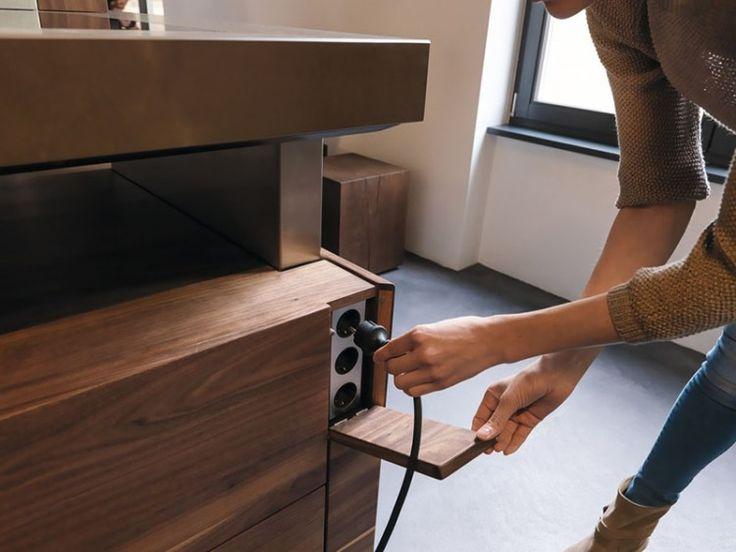 cache prise électrique dans la cuisine moderne : cuisine K7 par TEAM 7