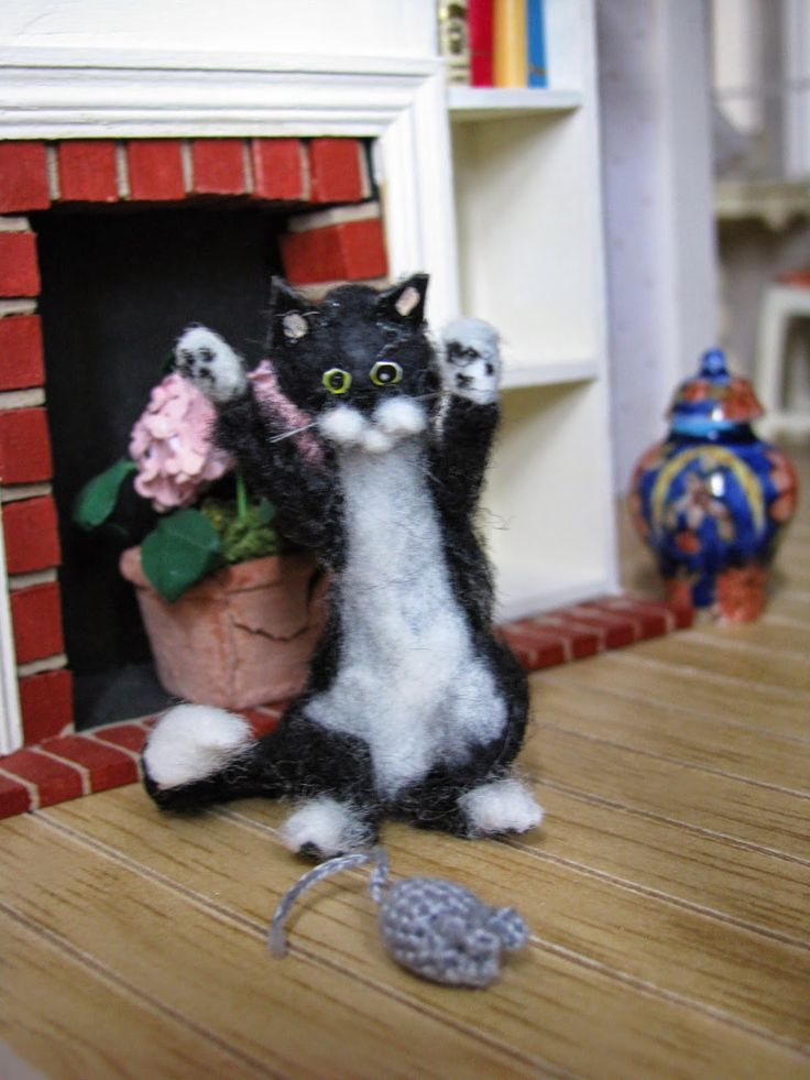 J Lil Roomer Needle Felted CatHouse BlogsDollhousesJewerlyScaleMiniaturesWeighing
