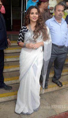 vidya balan in black and white saree
