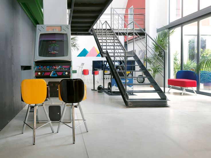 Break-out area in a creative company #stool #adjustable #Blog_Sesta