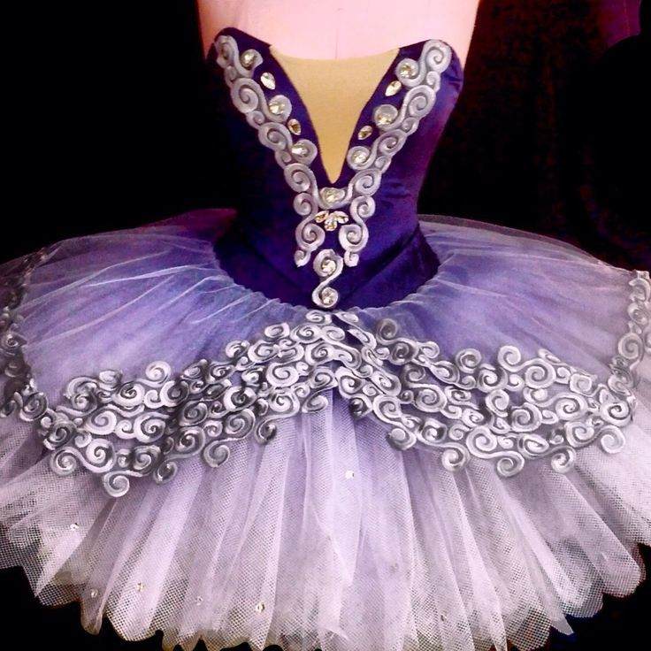 Oh I wish I had the time and money for this to be my Lilac Fairy costume @Christine Ballisty Meade