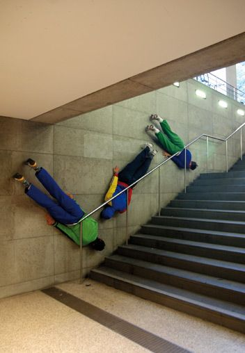 Bodies in urban spaces par Willi Dorner