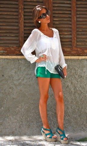 green shorts and wedgesOutfit Summer, Summer Fashion, Colored Shorts, Style, White Shirts, Colors Shorts, Cute Summer Outfits, Green Shorts, Summer Clothing