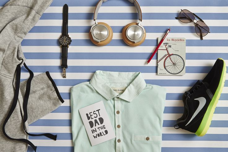For the Sporty Dad - Father's Day Gift Guide by Oliver Grand http://www.olivergrand.com/fathers-day-gift-guide/   #flatlay #gifts #fathersday #sporty #giftguide #sports
